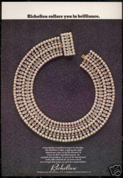 Richelieu Collar Necklace Jewelry Photo (1968)