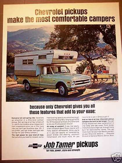 Chevrolet 3/4 Ton Camper Pickup Truck Photo (1968)