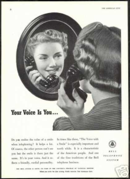 Pretty Woman Bell Telephone System Vintage (1941)