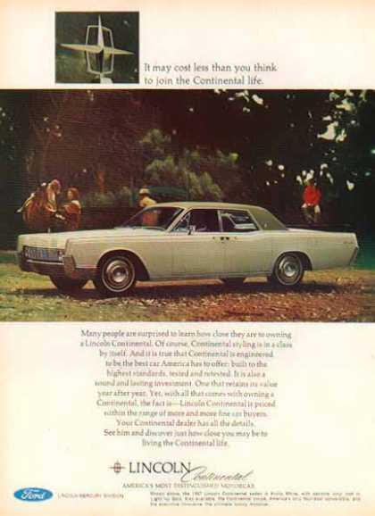 Ford Car – Lincoln Continental – Two Tone Lime (1967)