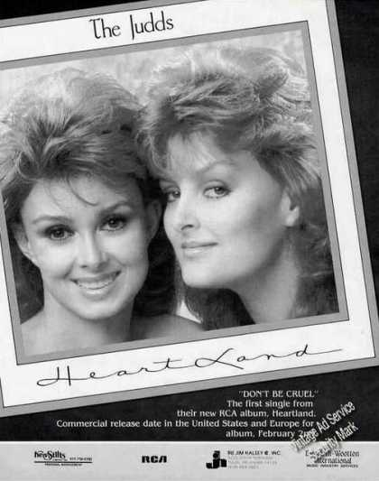 The Judds Photo Heartland Album Trade (1987)