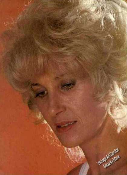Tammy Wynette Closeup Magazine Print Photo (1981)