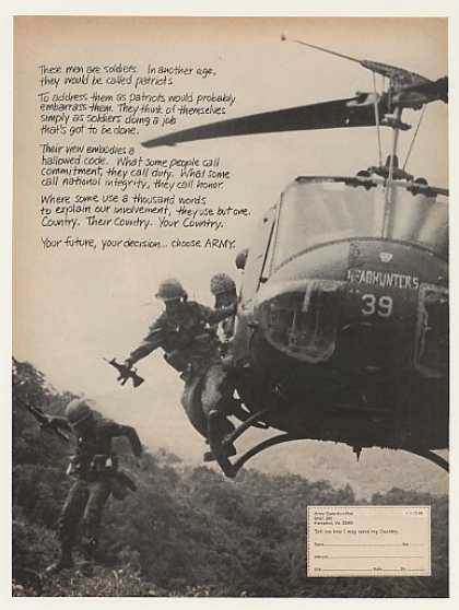 US Army Soldiers Headhunters Helicopter Photo (1968)