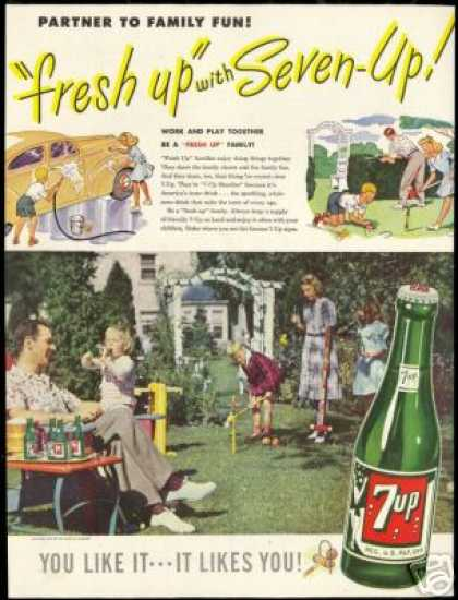 Family Croquet Photo Vintage 7 Seven 7-up (1947)