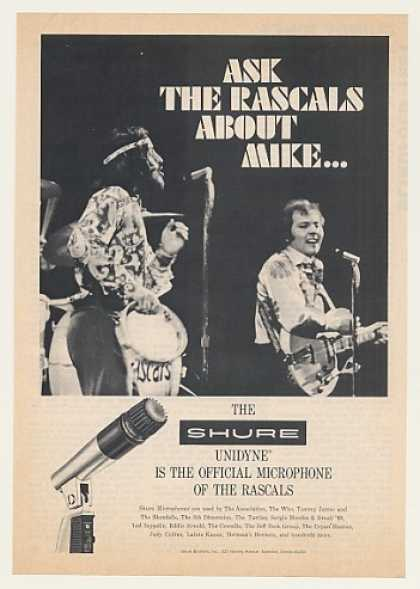 The Rascals Shure Microphone Photo (1970)