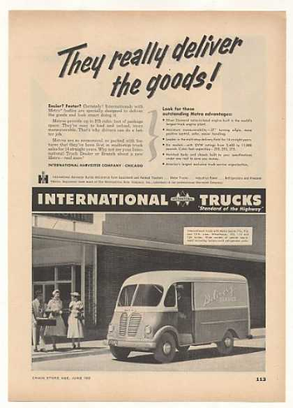 IH International Harvester Metro Delivery Truck (1952)