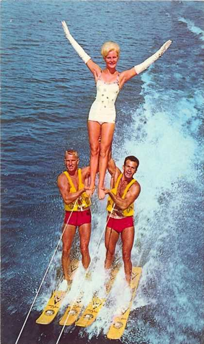 Acrobatic Waterskiing
