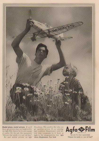 Agfa Film – Model Plane, Model Picture (1941)