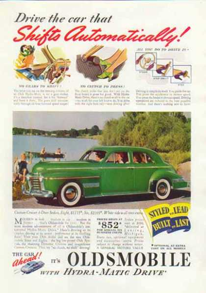 Oldsmobile Sedan Car – Green with sidewall tires (1940)