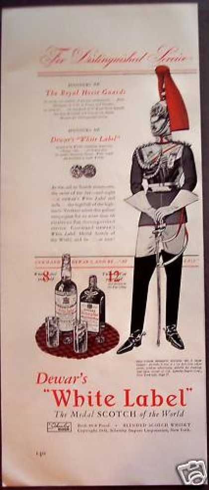 Dewar's White Label Whisky Royal Horse Guards (1942)