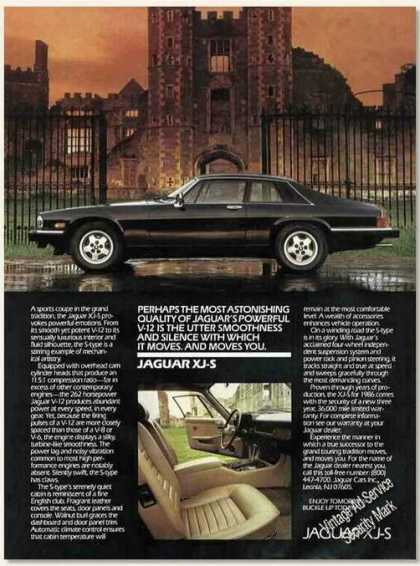 Jaguar Xj-s In Front of Castle Photo Nice Car (1985)