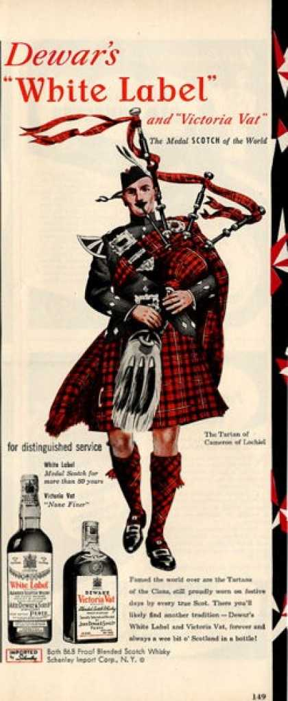 Dewar White Label Scotch Cameron Bagpipe (1950)