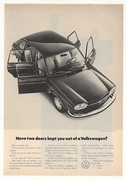 VW Volkswagen 411 4-Door Sedan Photo (1971)
