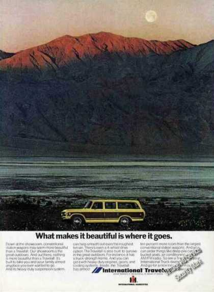 International Travelall What Make It Beautiful (1973)