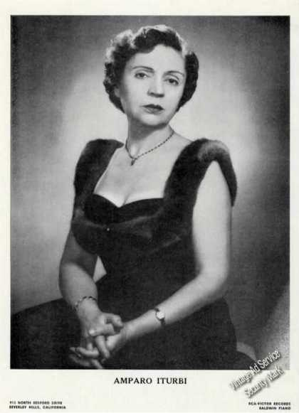 Amparo Iturbi Photo Piano Rare Booking (1961)