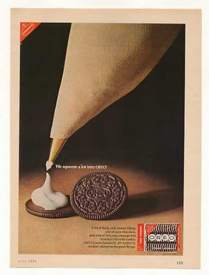 Nabisco We Squeeze a Lot into Oreo Cookies (1966)