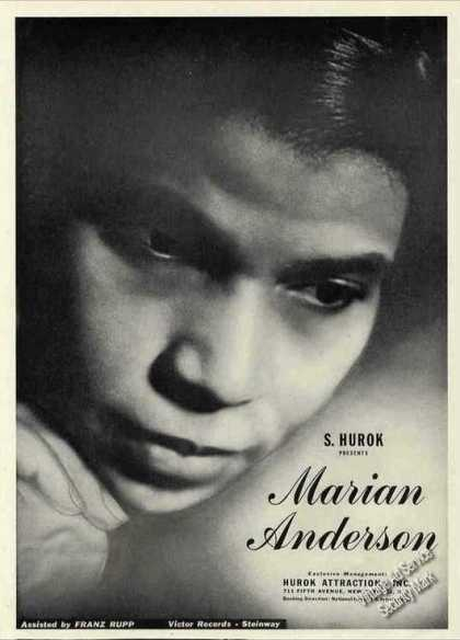 Impressive Marian Anderson Close-up Photo Trade (1944)