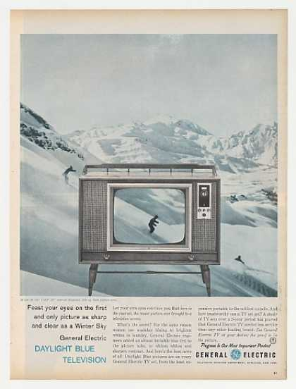 GE General Electric Daylight Blue TV M 750 VMP (1960)