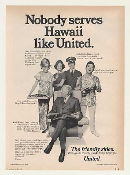 United Airlines Hawaii Service Crew Photo (1971)