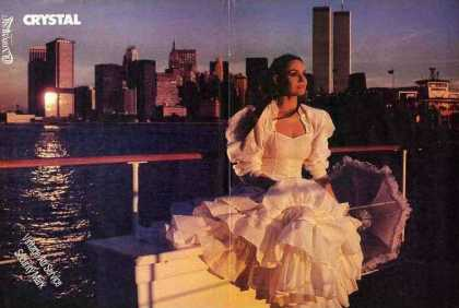 Crystal Gayle Photo World Trade Center Behind Pic (1980)