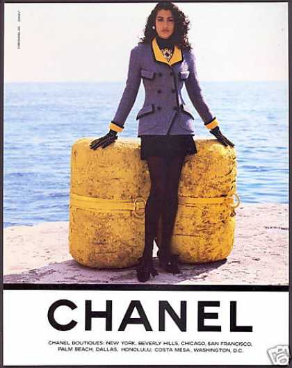 Chanel Fashion Pretty Woman Photo (1990)
