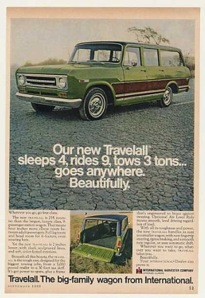IH International Harvester Travelall Wagon (1969)