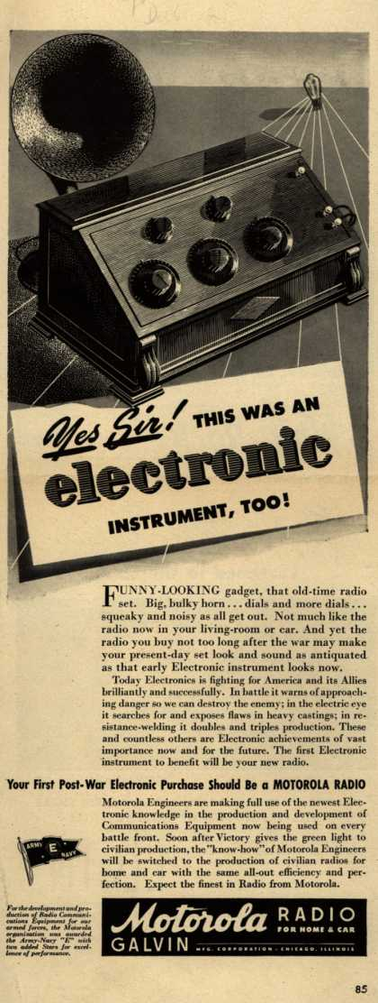 Motorola – Yes Sir! This Was An Electronic Instrument, Too (1943)