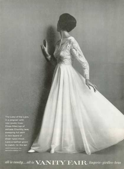Vanity Fair Fashion Peignoir Chantilly Lace (1961)