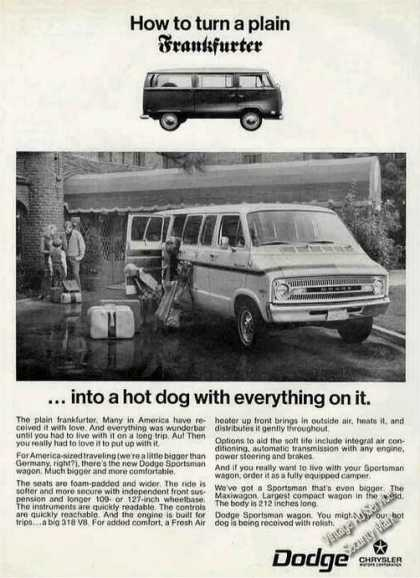 Dodge Sportsman Wagon (van) Comparison (1971)