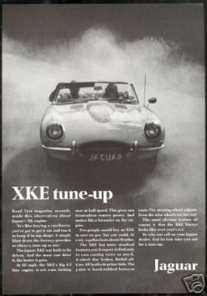 Jaguar XKE XK-E Convertible Vintage Photo (1968)
