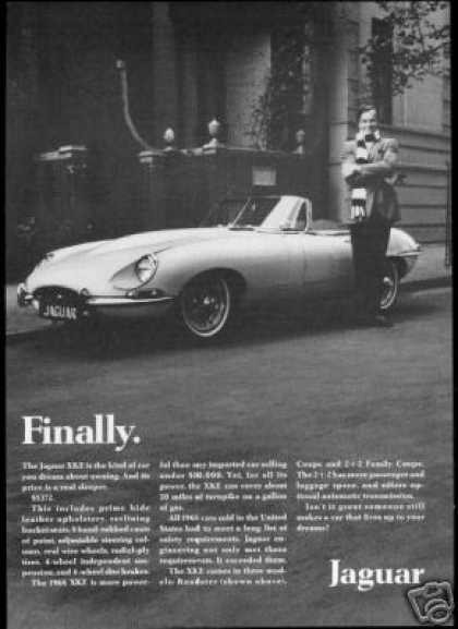 Jaguar XKE Convertible Photo Finally Vintage (1968)