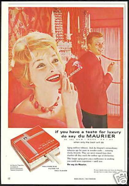 Pretty Woman Du Maurier Cigarette (1958)