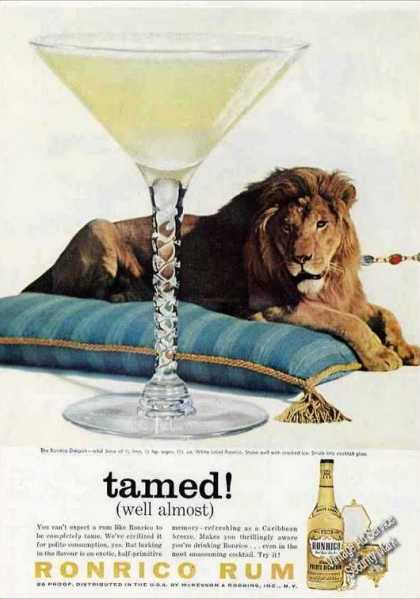 Ronrico Rum Daiquiri Lion On Pillow (1959)
