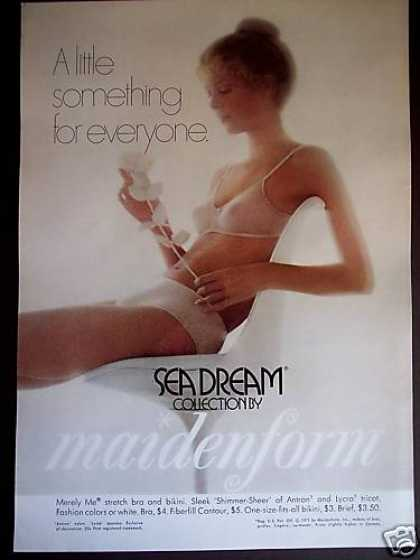 Maidenform Seadream Bra & Bikini Girl Photo (1971)