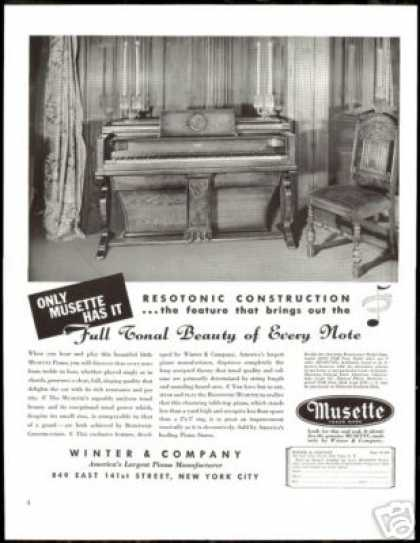 Musette Piano Photo Winter Company Vintage (1938)