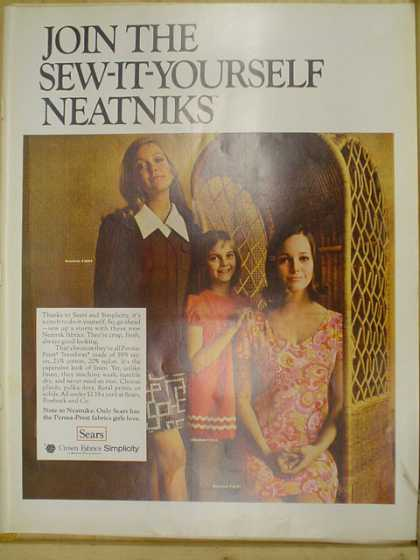 Sears Crown Fabric Simplicity. Join the sew it yourself neatniks (1969)